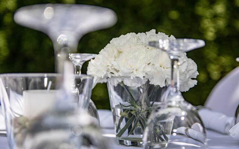 Modernes trifft klassisches Hochzeitsambiente