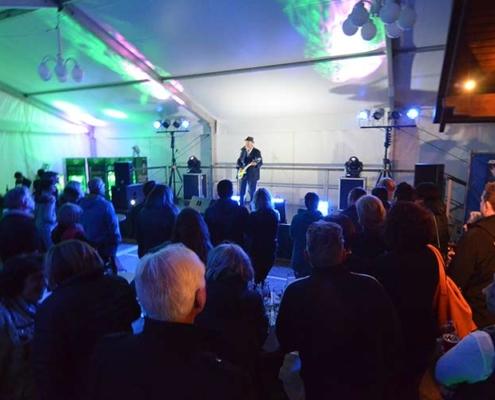 Musikalischer Act von John Watts Live